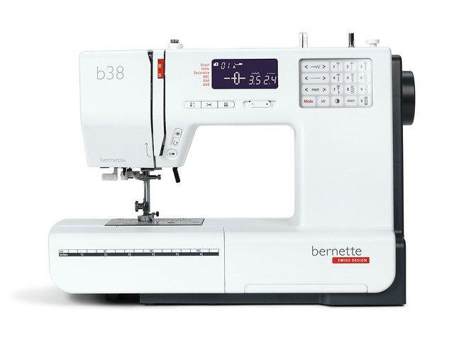 *B38//BERNETTE 38 SEWING MACHINE//BERNINA