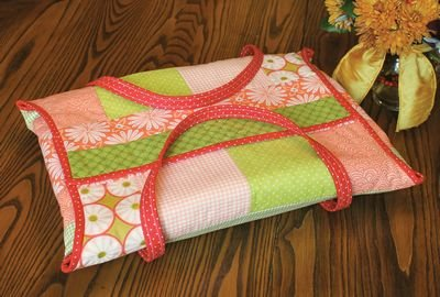 *CASSEROLE CADDY//QUILT AS YOU GO//PRINTED BATTING//HOLDS SIZE 9 x 13//JUNE TAILOR INC