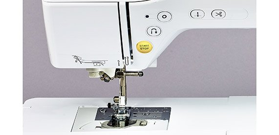 BABY LOCK LYRIC Quilting / Sewing  8 1/4 Extended Arm