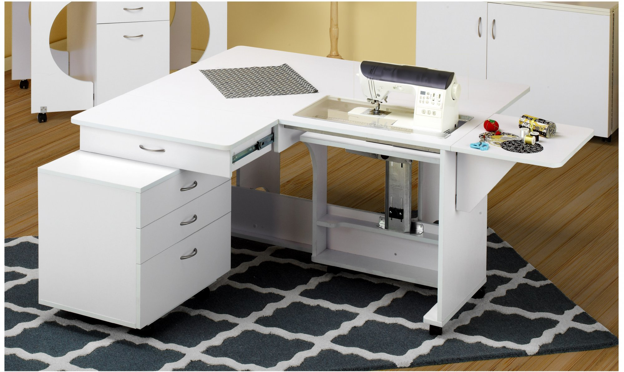 TAILORMADE QUILTERS VISION  Sewing Machine Cabinet & Cutting Table Q-W001 / White
