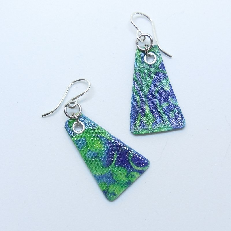 Creeping Blue Vine Tri Earrings