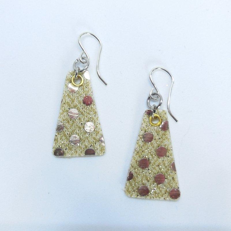 Dazzling Dots Tri Earrings