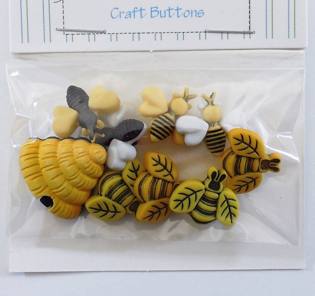 Buzzin Around Bee Button Pack