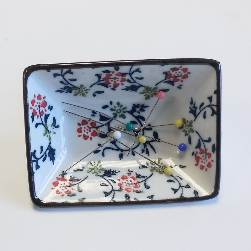 White Rectangle Magnetic Floral Pin Dish
