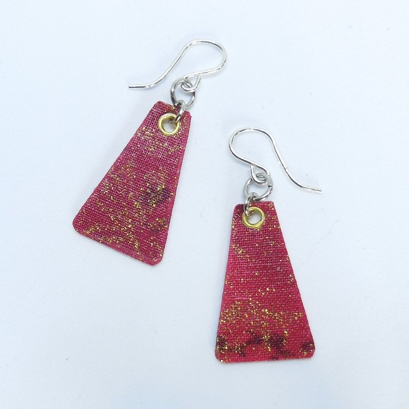 Scarlet Shimmer Tri Earrings