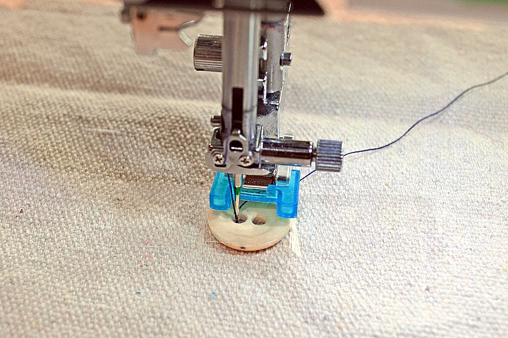 7mm Button Sewing Foot | Elna