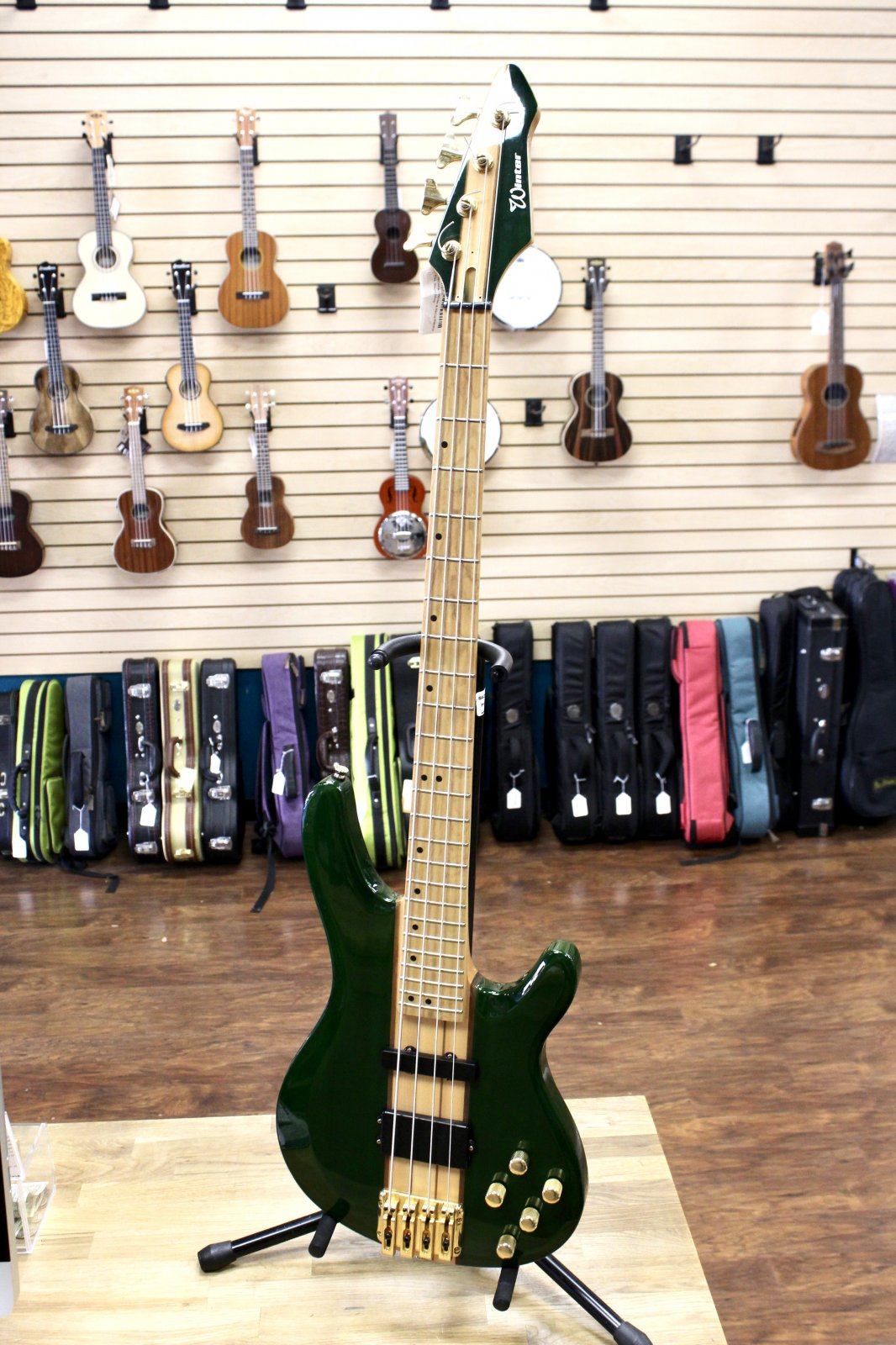 Preowned Winter 4-String Electric Bass