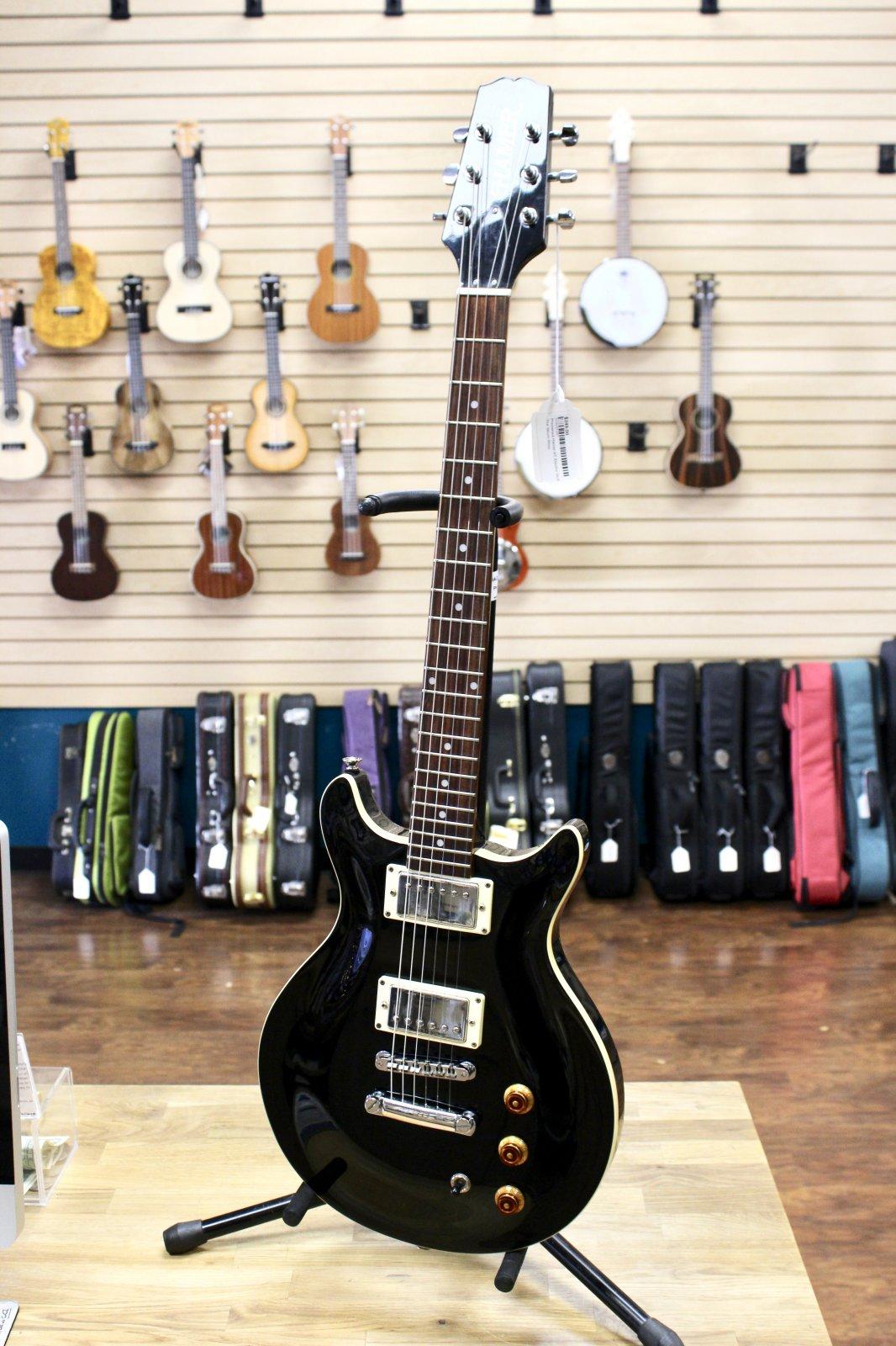 Preowned Hamer XT Electric Guitar w/Bag