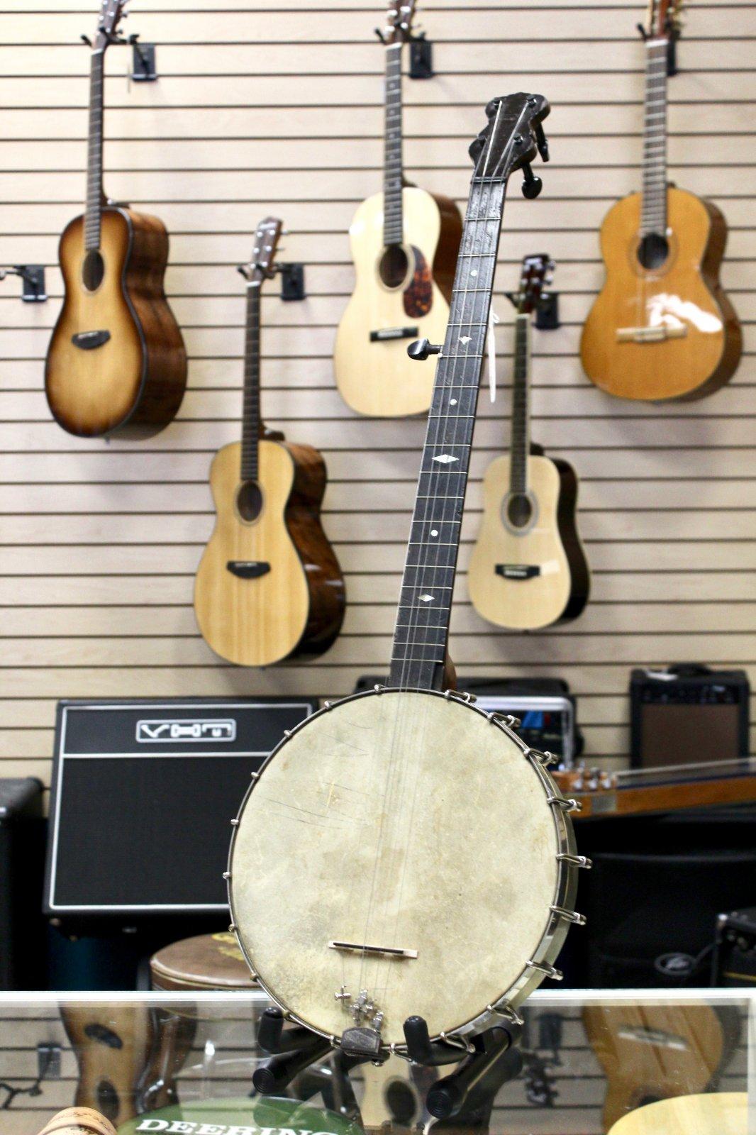 Vintage Late 1800's Thompson & Odell Artist Banjo w/Gig Bag