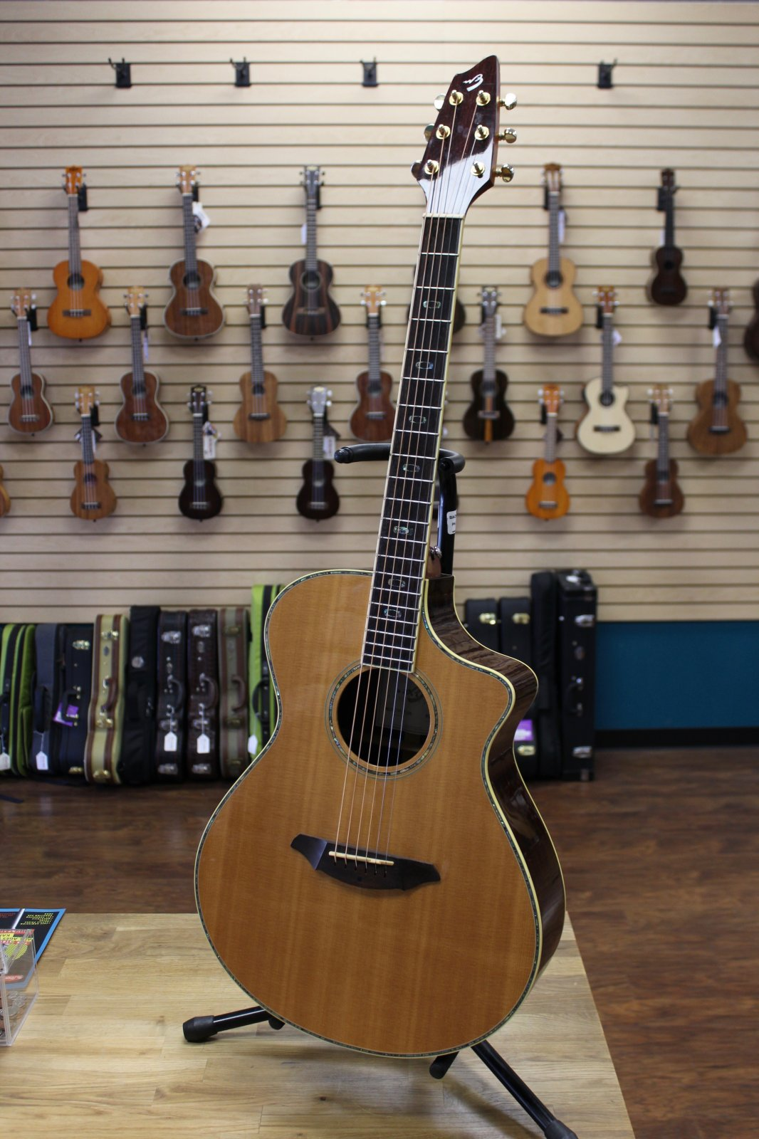 Preowned Breedlove AC25/SR Plus Acoustic-Electric Guitar