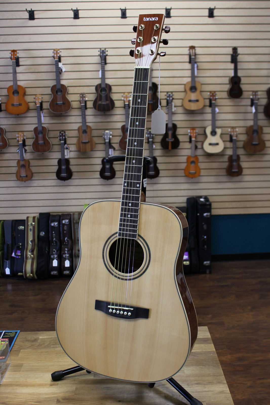 Tanara TSD100NT Dreadnought Acoustic Guitar - Natural