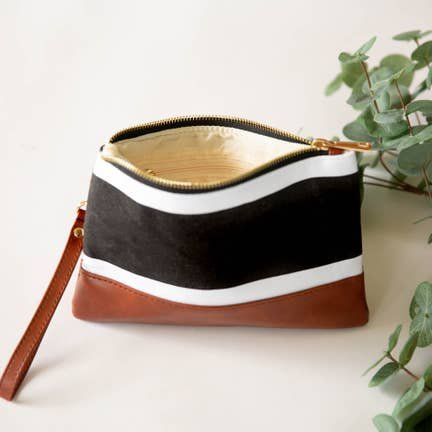 Brook Clutch - White and Black Thick Striped