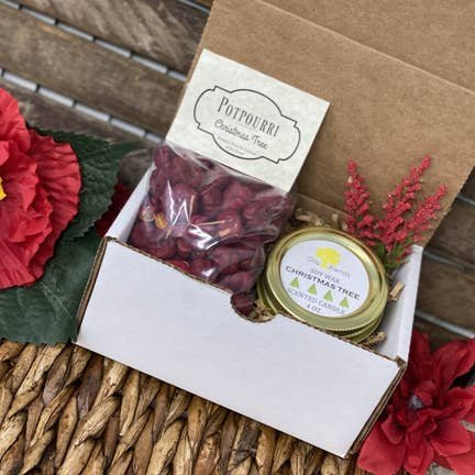 Christmas Tradition Gift Box with Candle & Potpourri