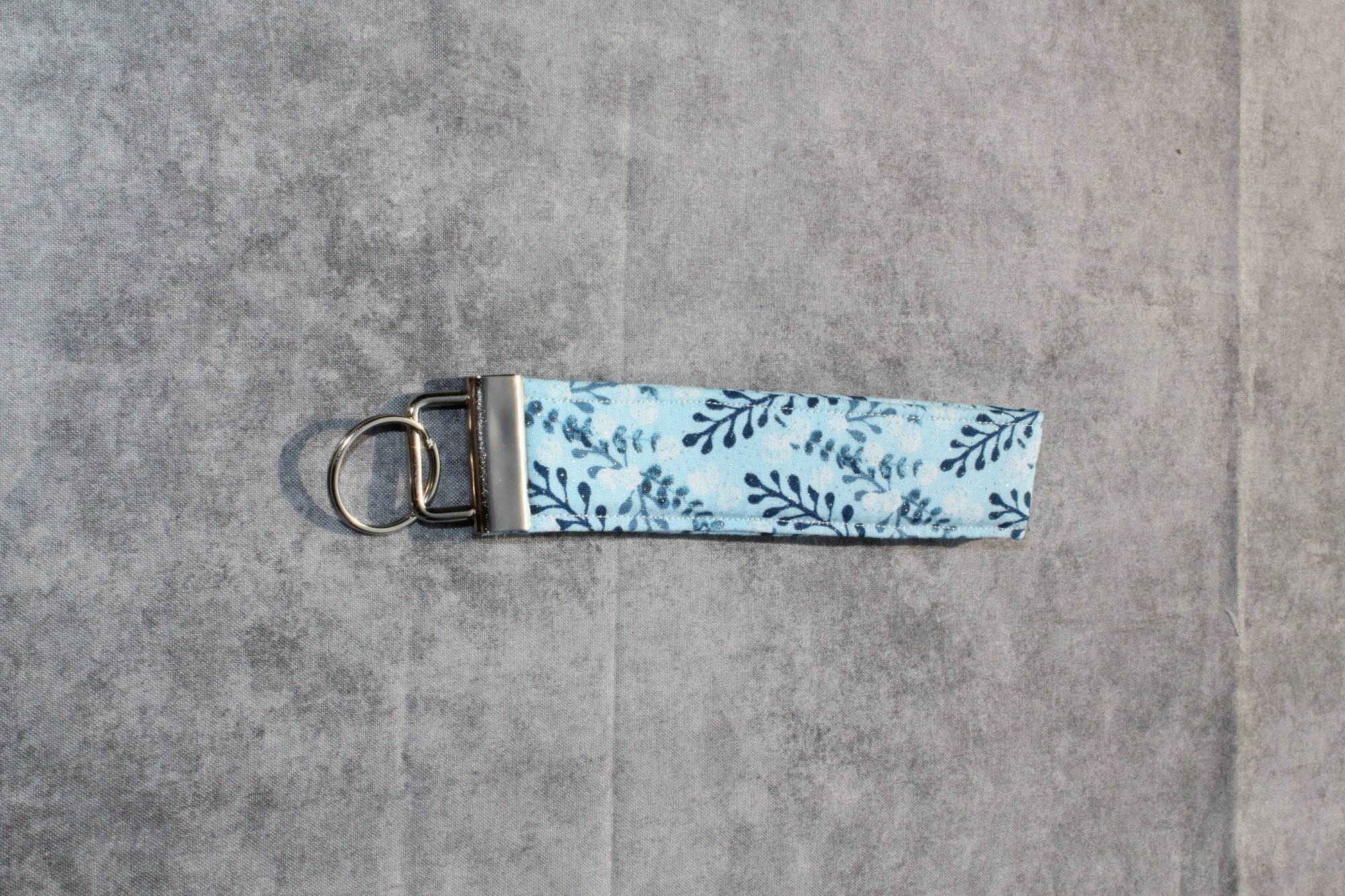 Blue/White/Silver Glitter and Leaves Classic Wristlet