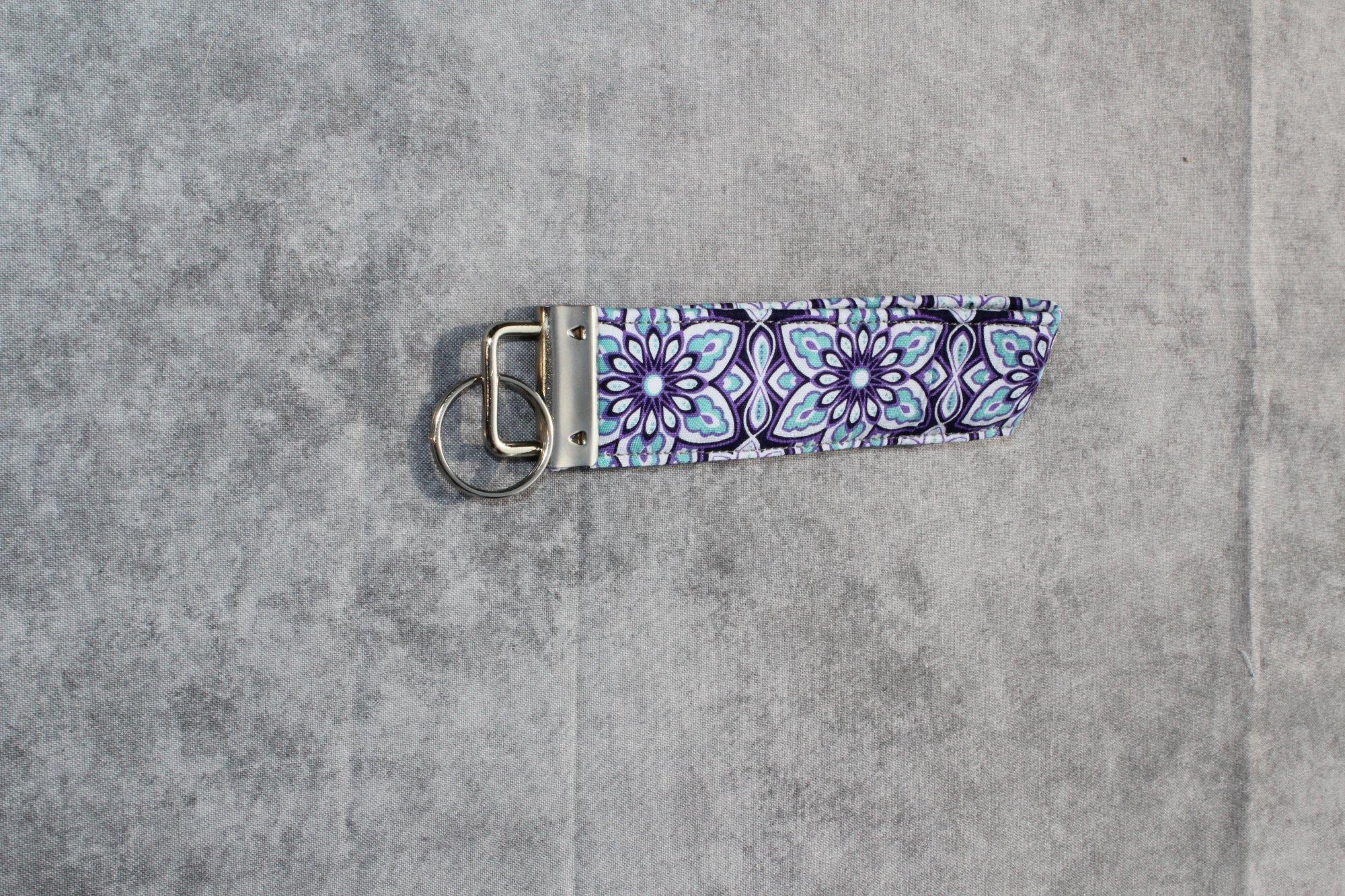 Purple/Blue/White Geometric Floral Short Classic Keychain