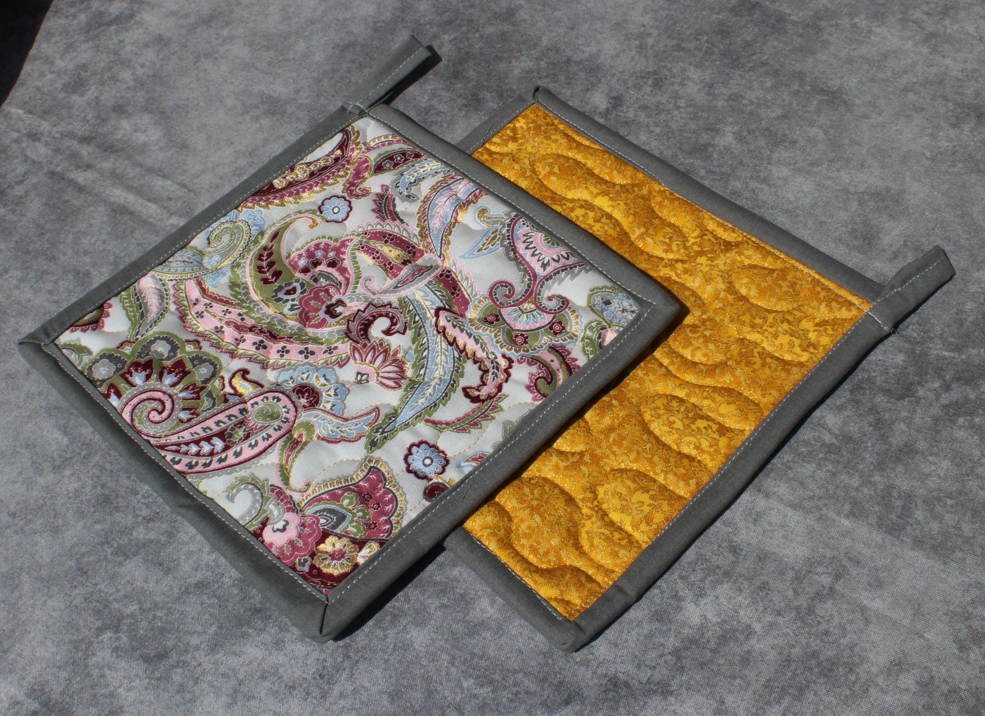 Gray/Pink/Green/Gold Swirling Paisleys Potholder Set of 2