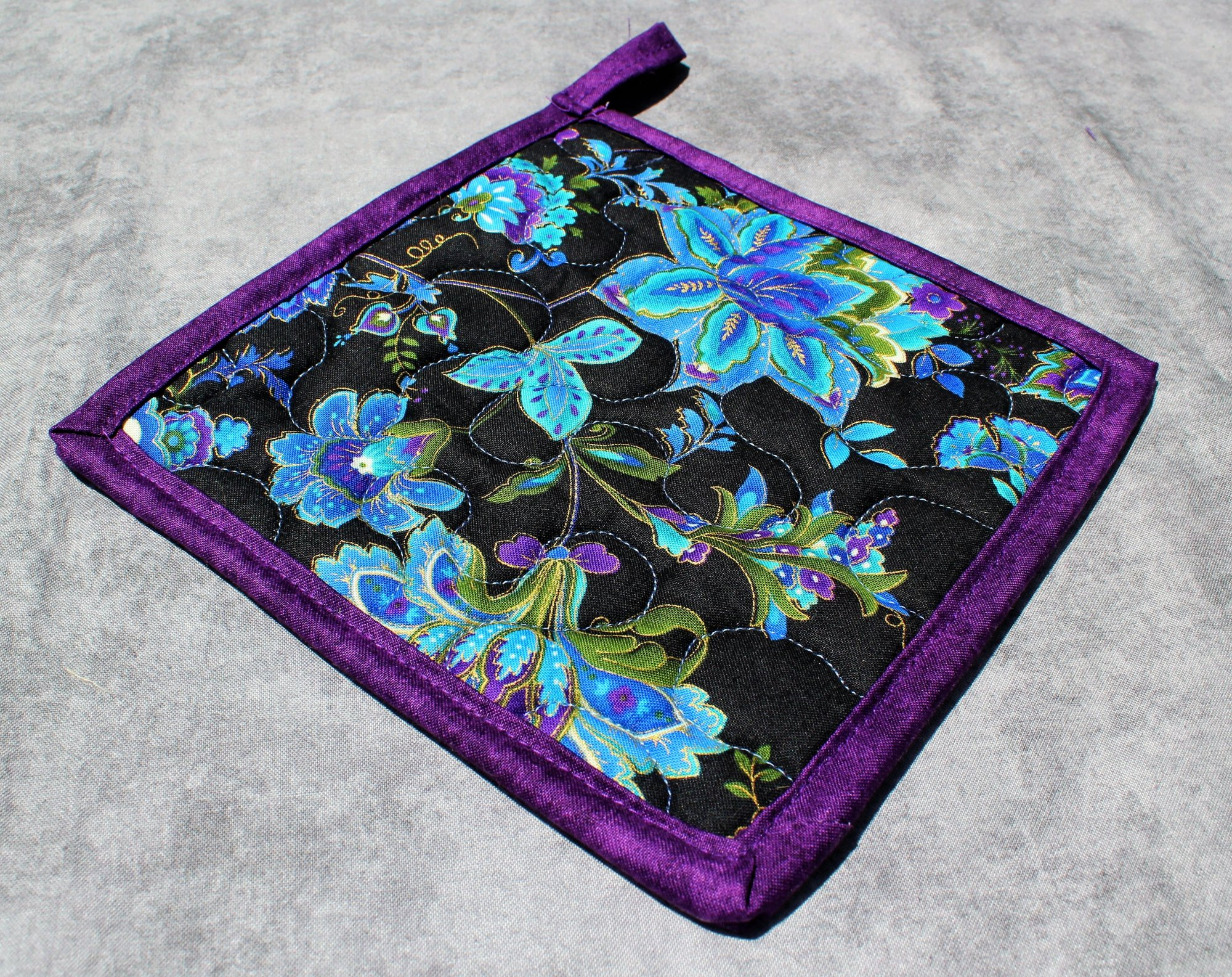 Single Blue/Purple/Gold Blooming Flower Potholder