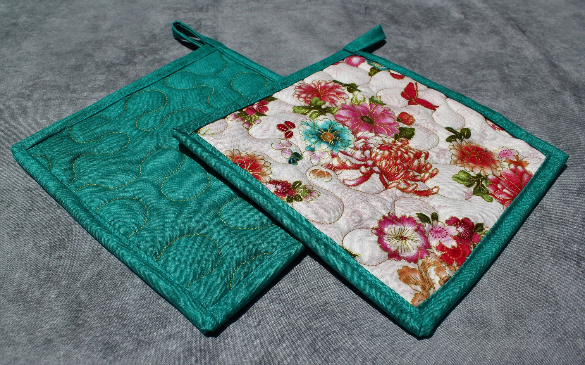 Pink/Blue/Green Butterflies and Flowers Potholders Set of 2