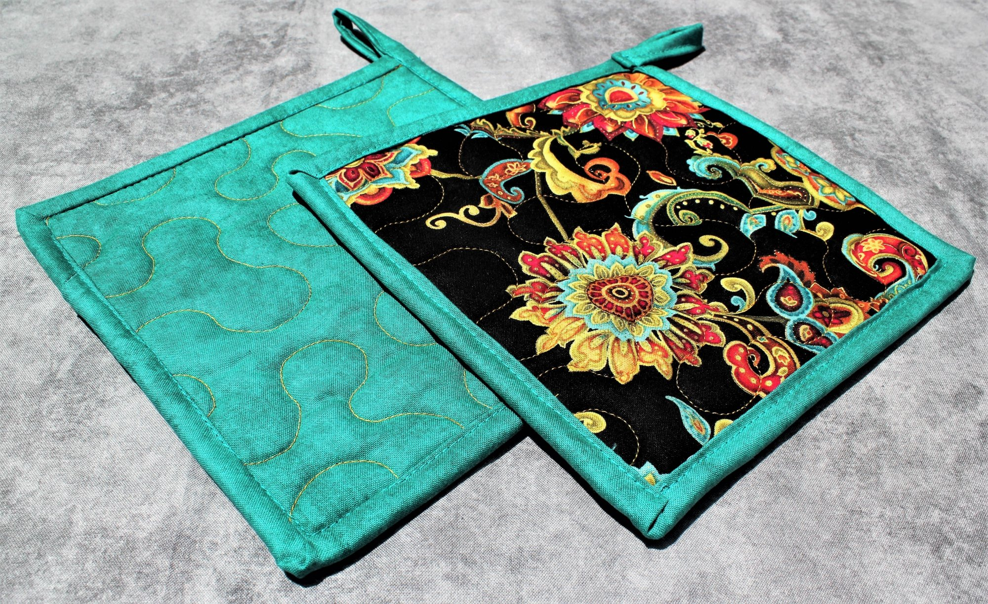 Red/Green/Teal Swirling Paisleys and Flowers Potholders Set of 2
