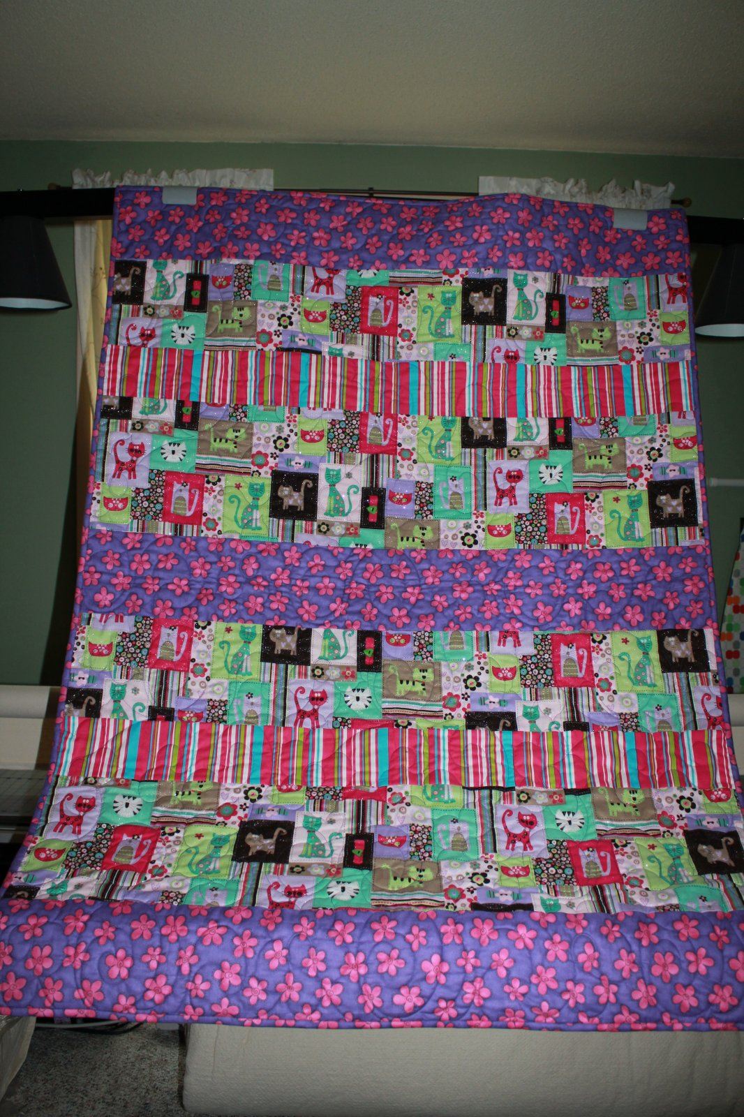 Sparkly Cats and Kittens Quilt in pink and purple