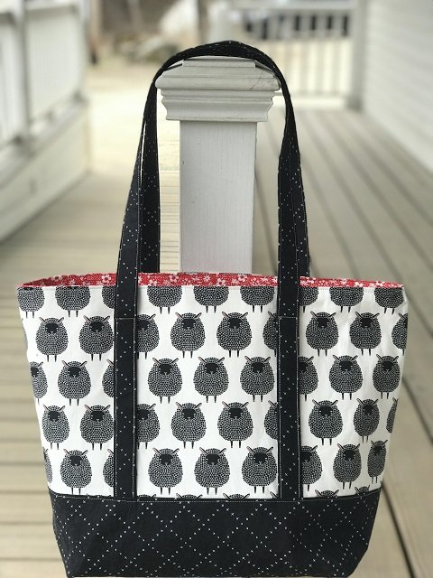 Tourist Tote Sheep with Pattern