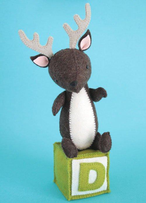 D is for Deer Pattern