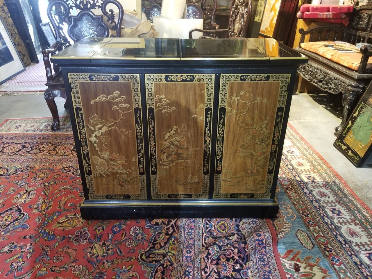Chinese black lacquer bar