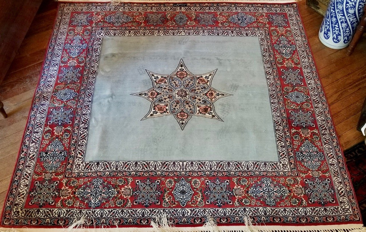 5'2 x 5'4 Persian Isphahan - slightly used