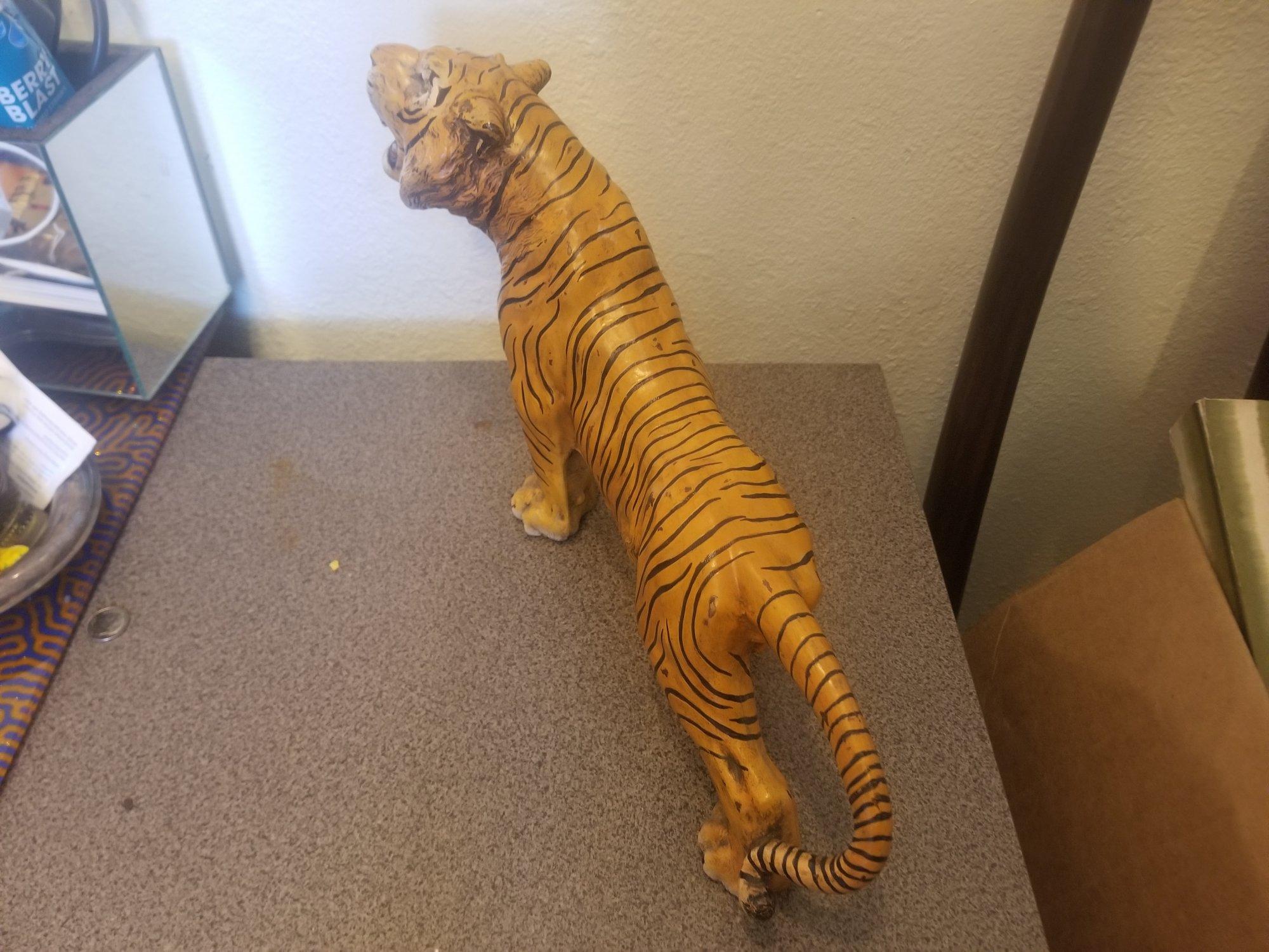 hand painted Japanese bronze medium size tiger UPX