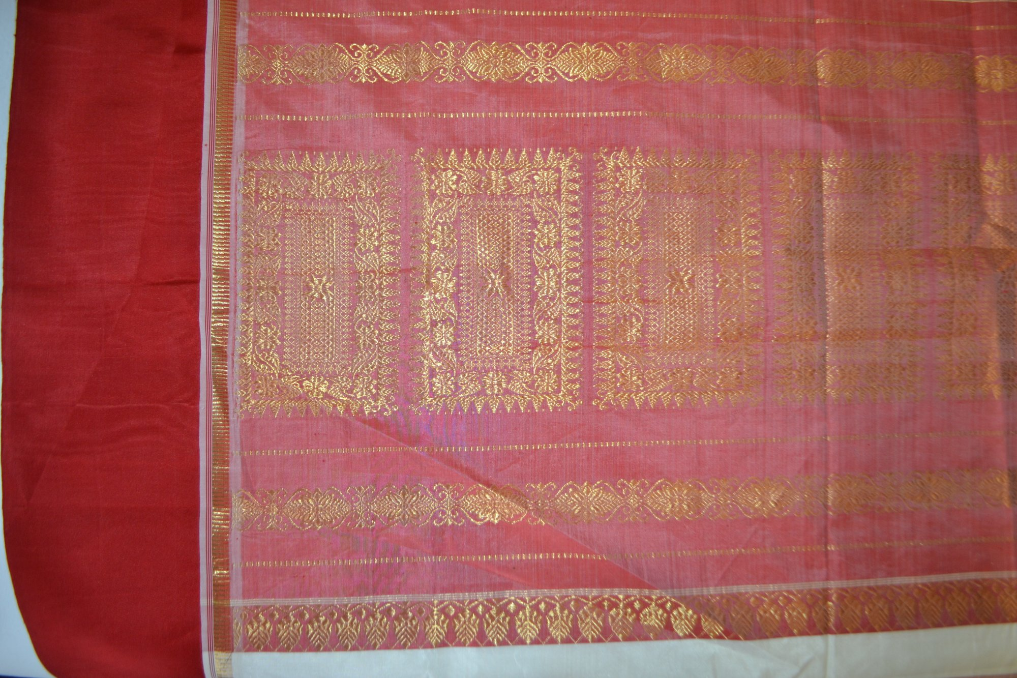 Indian Sari - Red Gold White - UXYZ