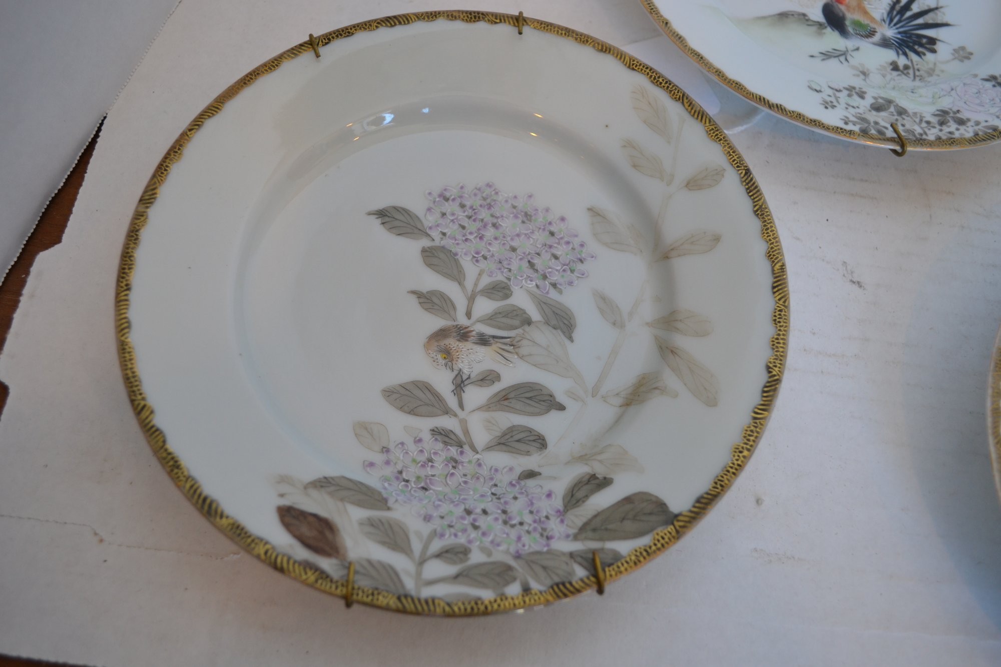 20th Century Japanese 4 plates w/ plate hangers, all with birds (set of 4) Dia. 7