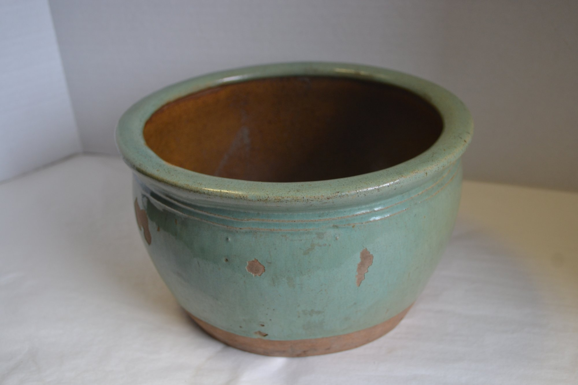 Chinese Celadon jar/ bowl