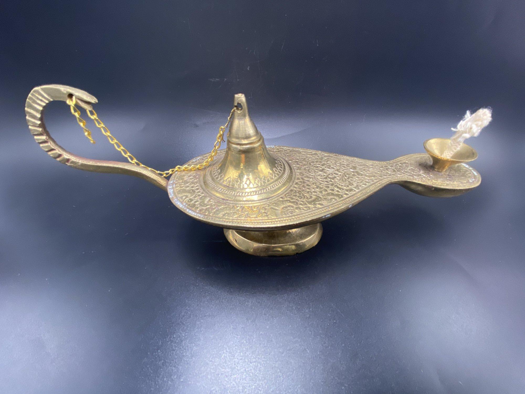 Brass persian oil lamp that looks like a Genie lamp  ST