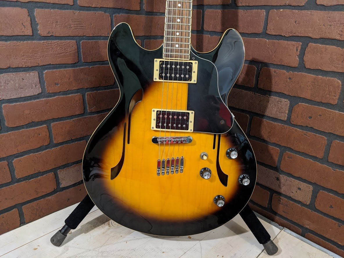 Yamaha SA-500 Hollow-body Electric Guitar - USED