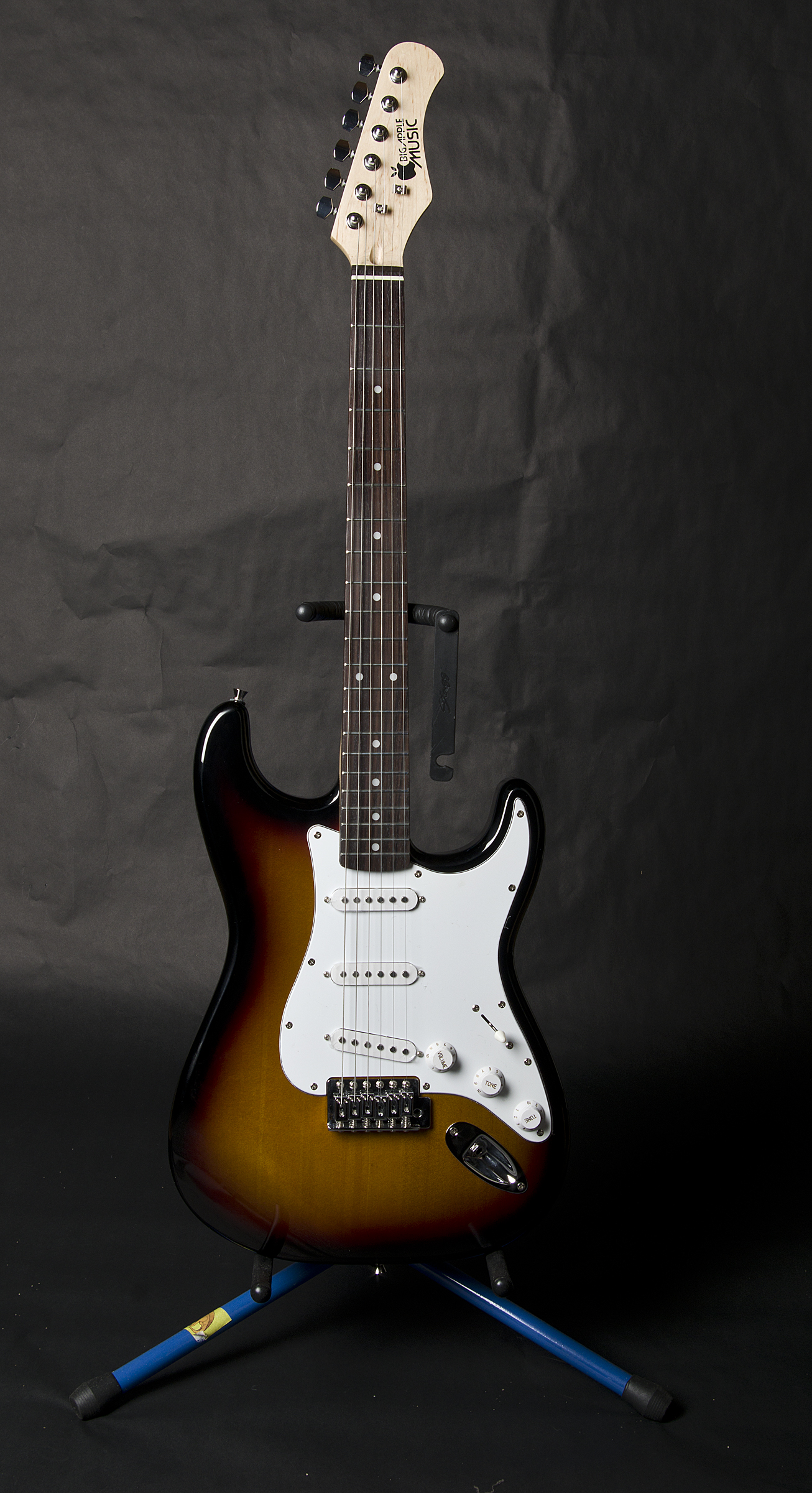 BAM Standard Electric Guitar and Amp Package- Sunburst