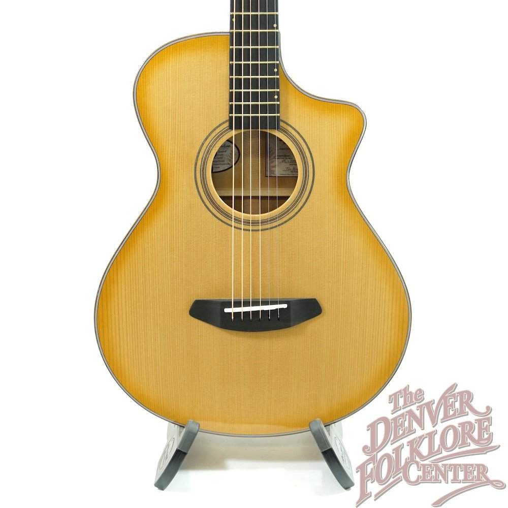 Breedlove Artista Concertina Natural Shadow CE