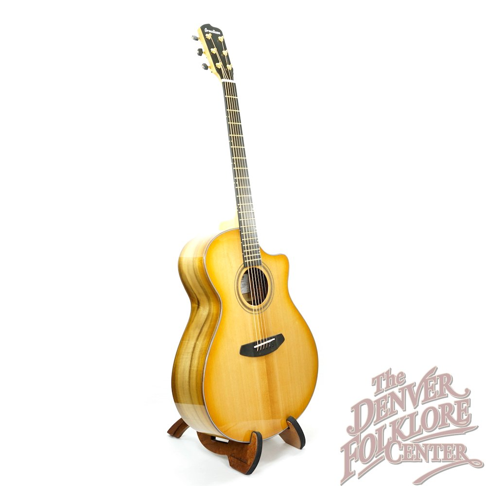Breedlove Artista Concerto Natural Shadow CE