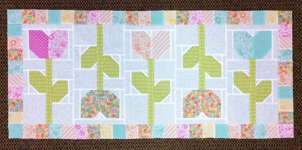 Tulip Farm Table Runner 20 x 40