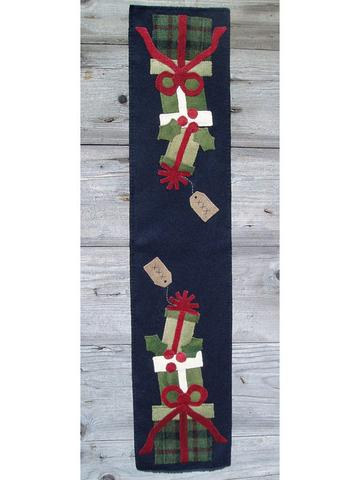 Presents Table Runner kit by Wooden Spool Designs