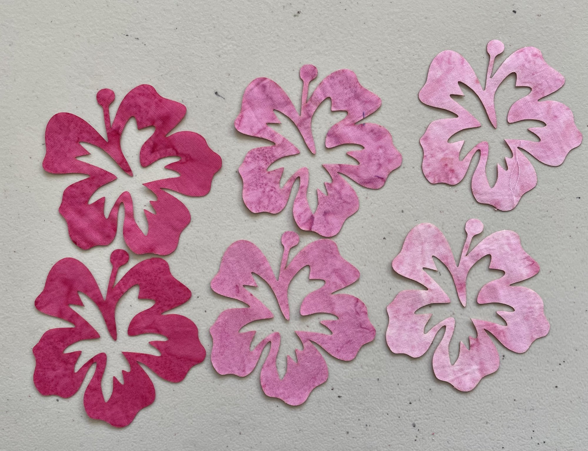 5in. Hibiscus Fusible Appliques  pinks