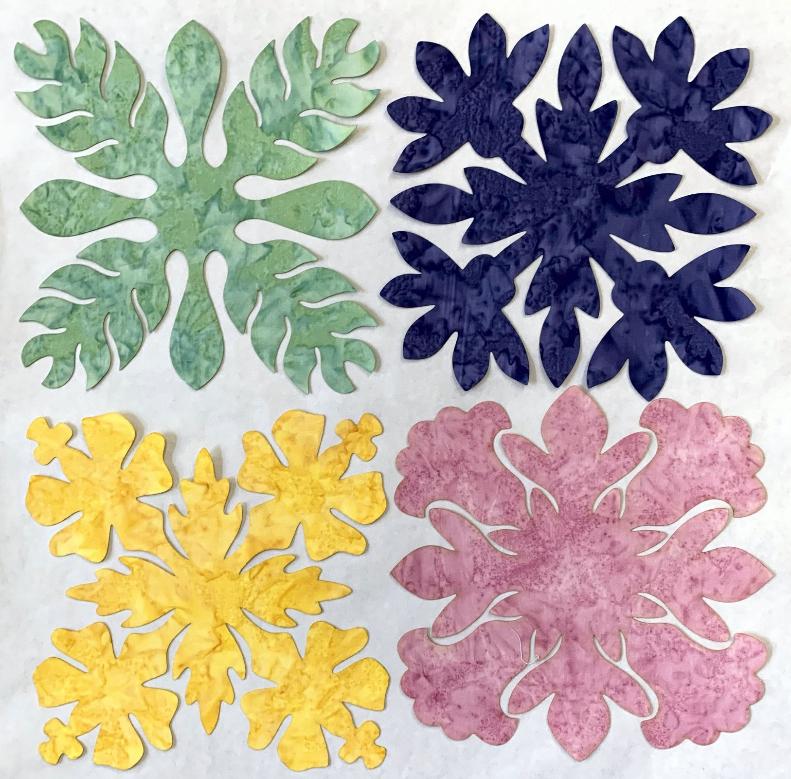 Flowers 2 8in. Fusible applique pack 4-per