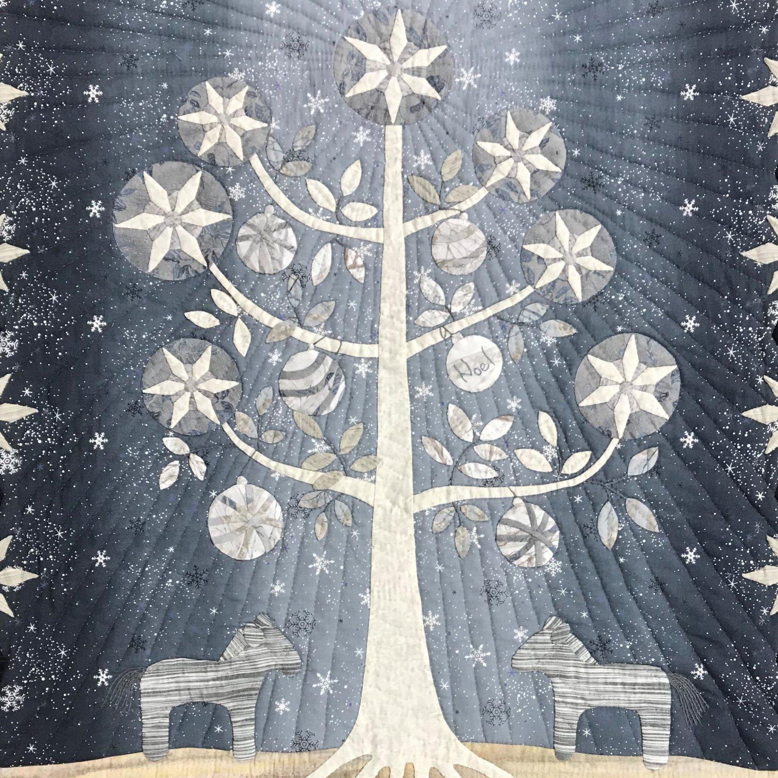 Yoko Saito Holiday Quilt Tree and Dalarna Wallhanging Kit QFQK-YSTD