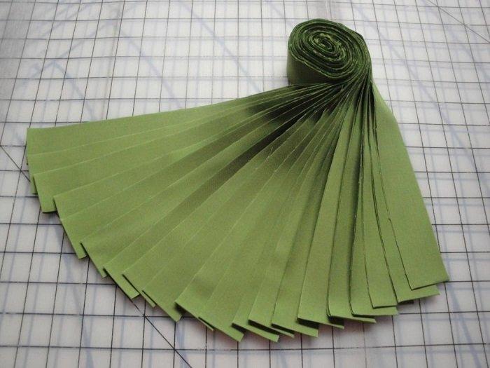 Honey Bun-Grass Green Kona Cotton by Robert Kaufman