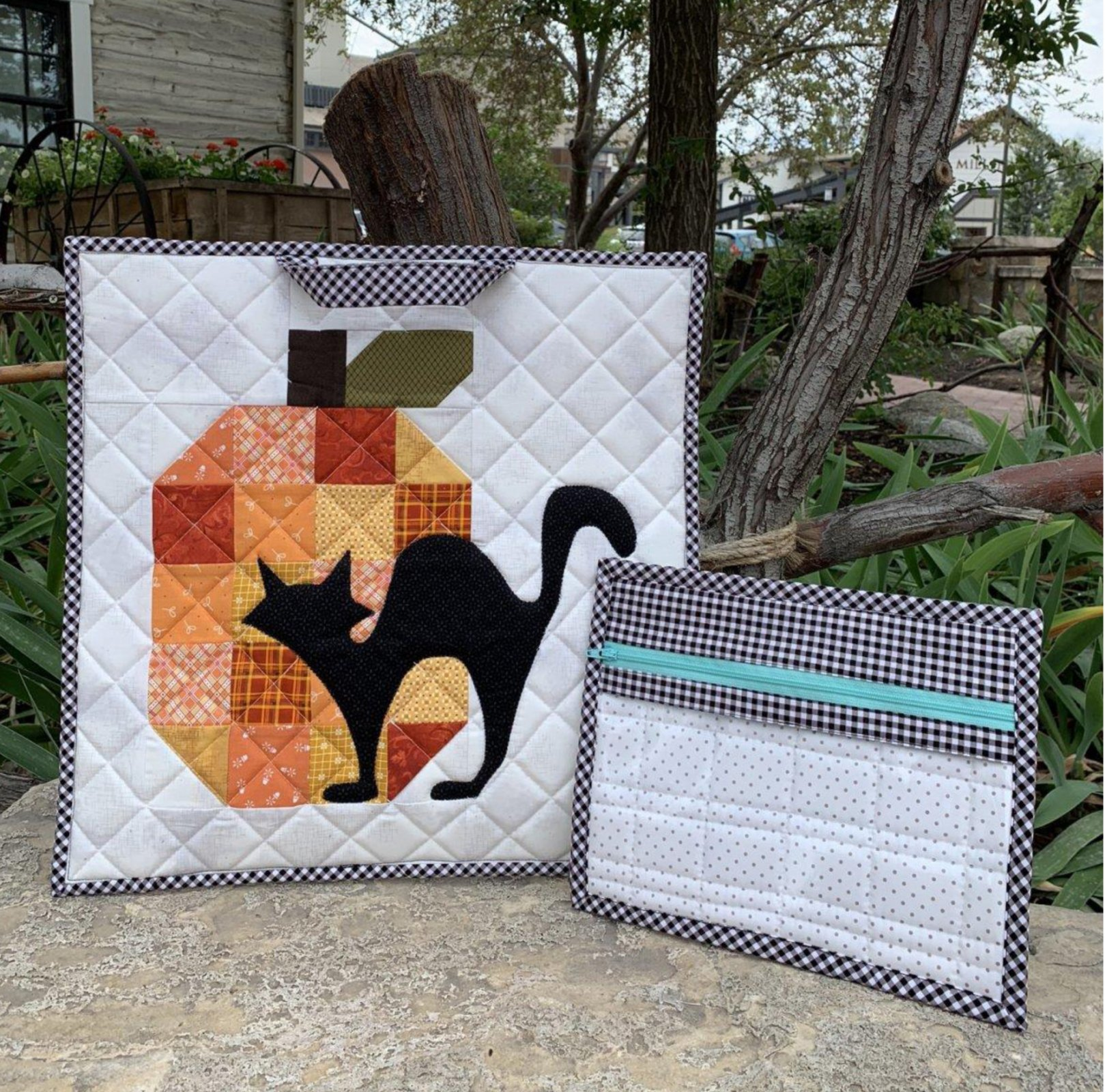 Anna's Spooky Project Bag  pattern