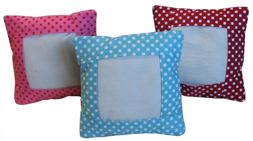Essential Small Pillow-Pink Berry Dot