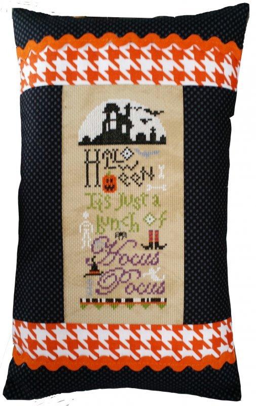 A Bunch of Hocus Pocus pillow kit