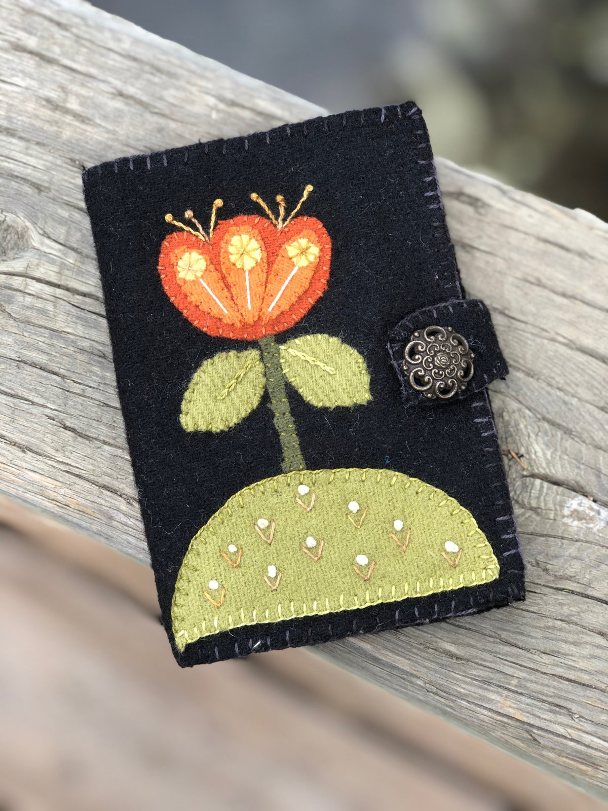 Witches Stitches Wicked Wool Pin Keep & Needle Book KIT