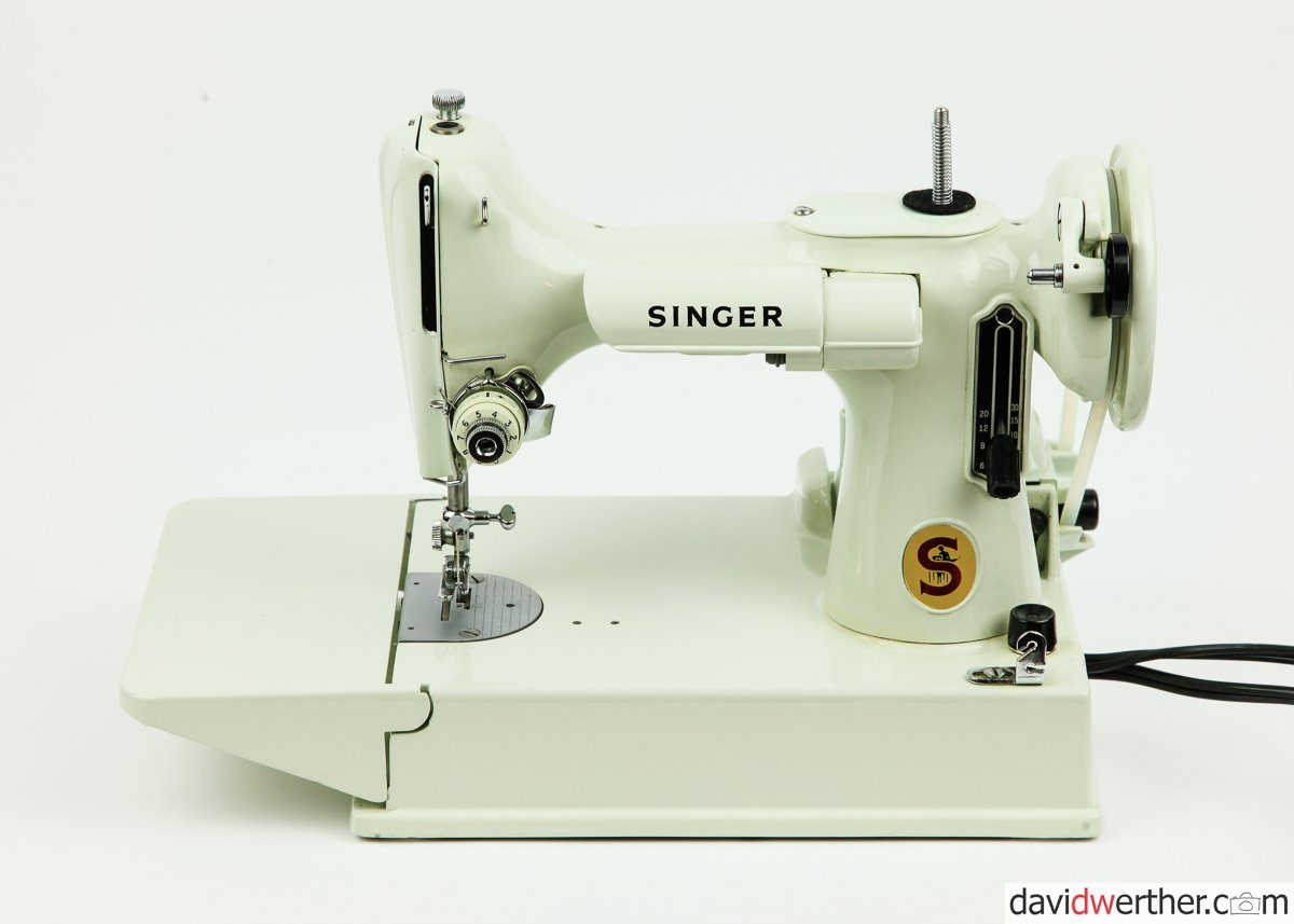 FA223149 Singer 221 Featherweight - SOLD