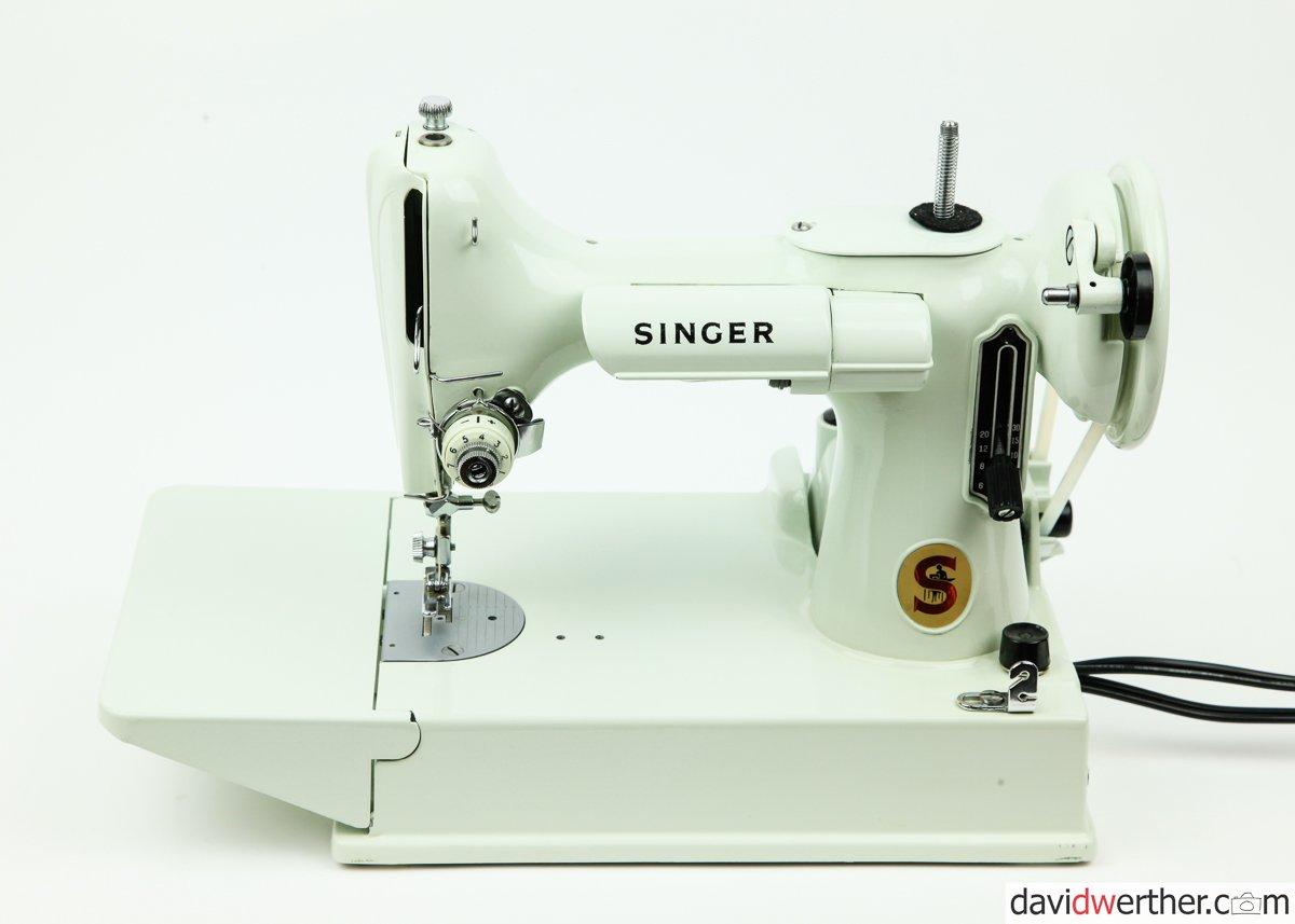 EV961083 Singer 221 Featherweight - SOLD