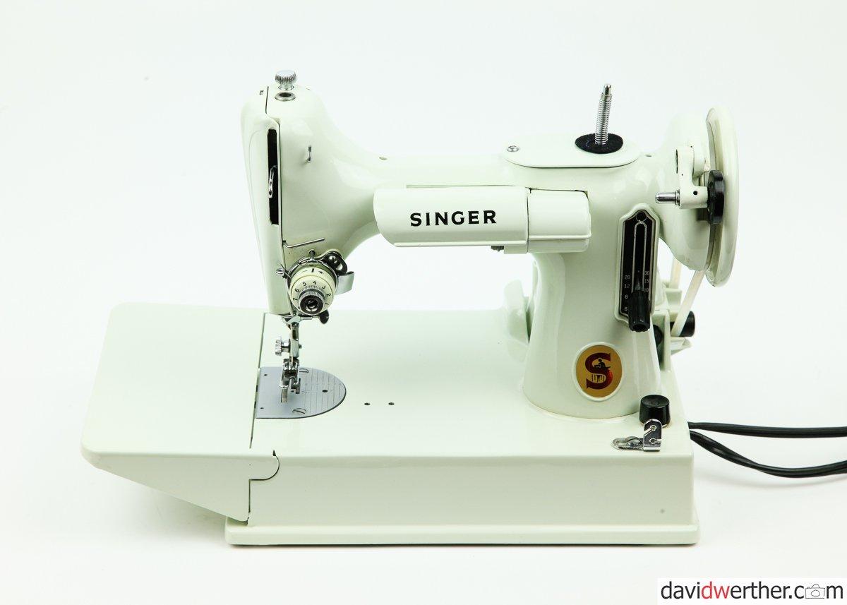 EV962825 Singer 221 Featherweight - SOLD